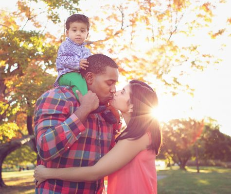 Family photography session in nature